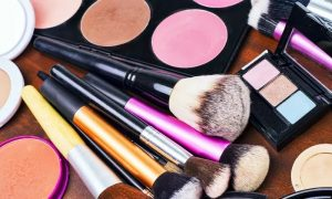 Make-Up Online Course from Alpha Academy - Dubaisavers