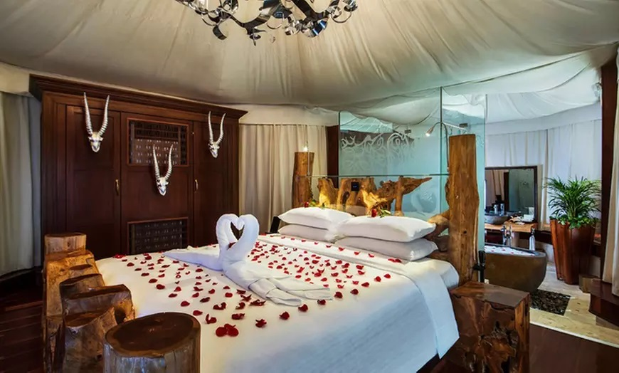 1 Night for Two with Breakfast, Romantic Setup and Option for Dinner and Camel Ride at  Telal Resort Al Ain - Dubaisavers