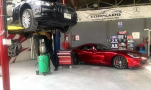 Oil Change for Car with  Cylinders at Tornado Auto Services - Dubaisavers