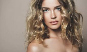 Wash and Blow-Dry with Optional Haircut or T-Section Highlights at iSpa - Dubaisavers