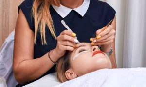 Full Set of Individual Eyelash Extensions with Optional Eyebrow Shaping at Mirrors Beauty Lounge - Dubaisavers