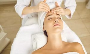 Choice of Facial with Optional Eyebrow Threading at File and Style Beauty Salon - Dubaisavers