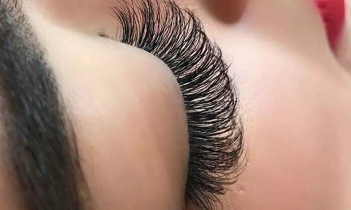 Full Individual Volume Eyelash Extensions with Optional Top Up at Ten 10 Avenue Beauty Lounge - Dubaisavers
