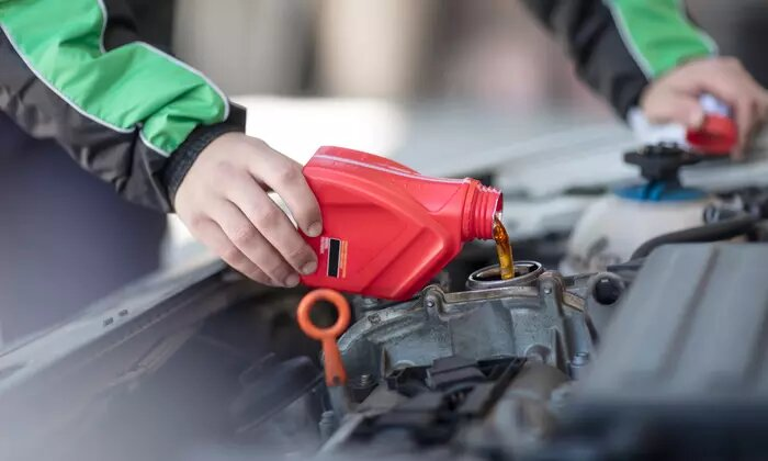 Semi-Synthetic Oil Change from DME Auto Center - Dubaisavers